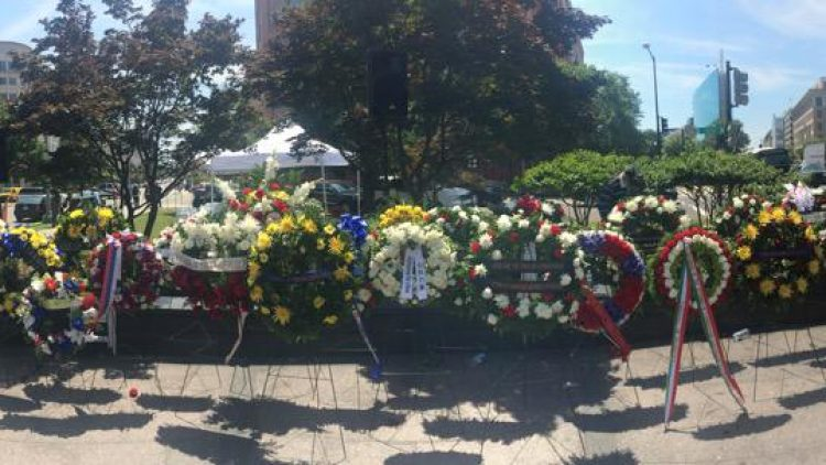 Ambassador Poptodorova laid a wreath at the Victims of Communism Memorial